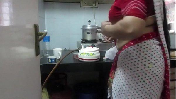Chubby bhabhi ki nabhi ka hidden mms video